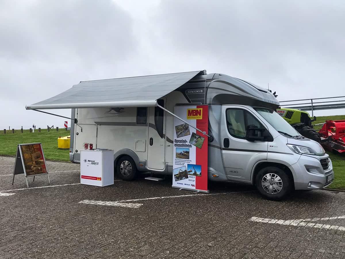MBN Baumaschinenwelt beim Tag der offenen Tür beim 1. Entwässerungsverband Krummhörn am Sperrwerk Emden