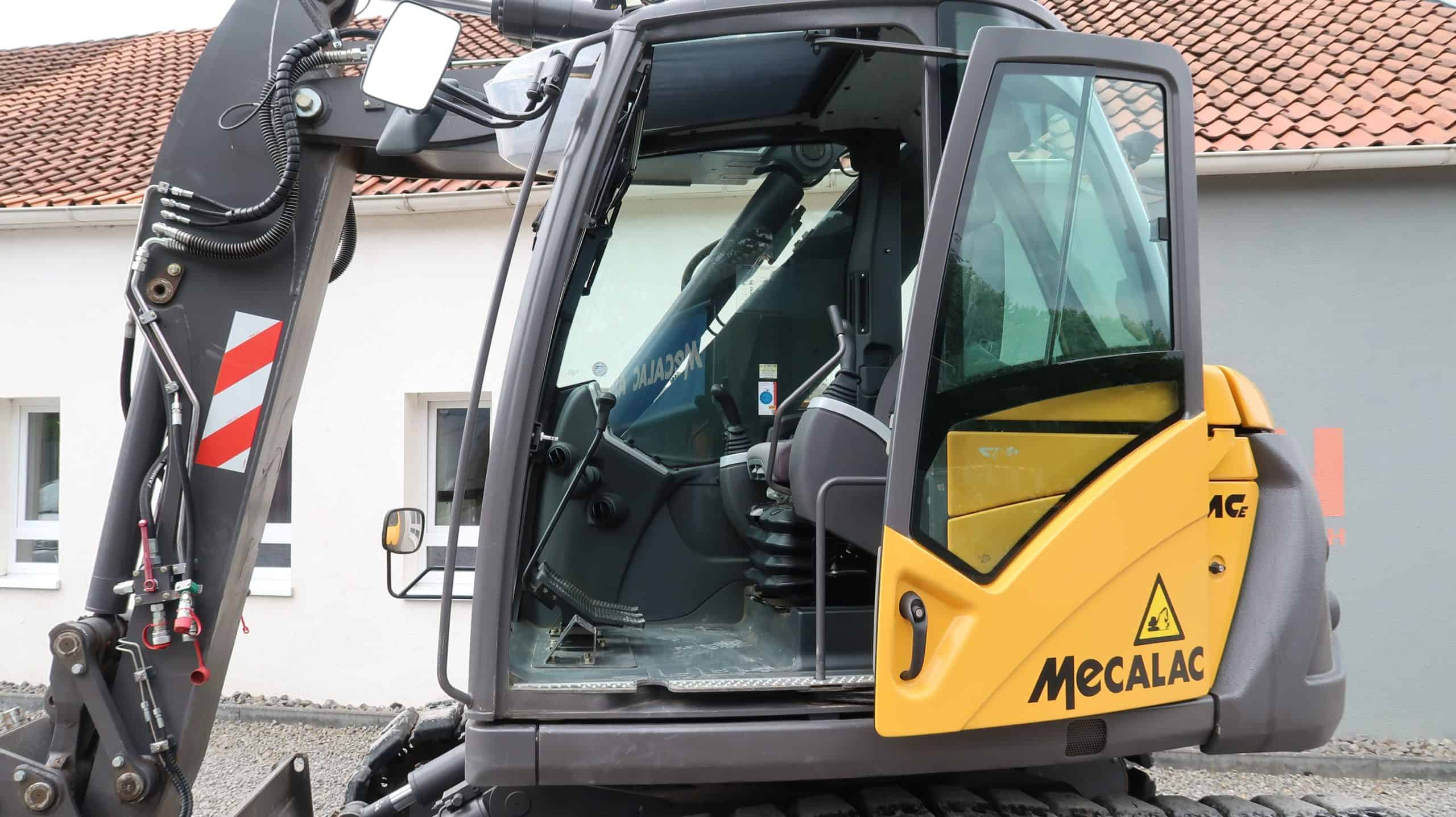 Mecalac-714-MCE-Einstieg